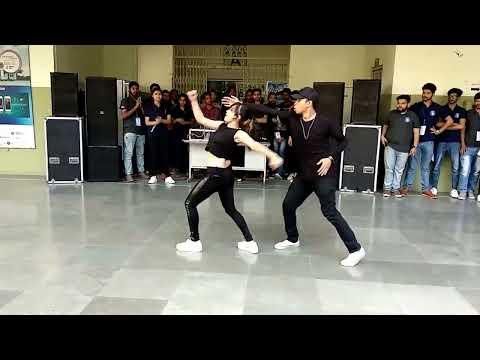 Best Couple Dance ever seen.@ IEC INNOVISION 2K18 (NIET COUPLE DANCE) #echo smart.