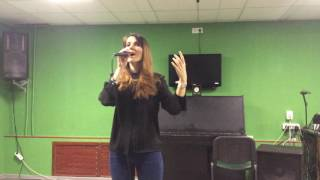 Каролина Матюк - песня о маме.