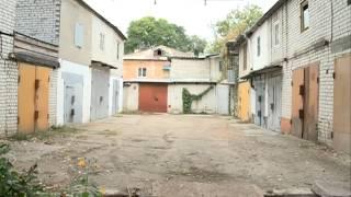 Новый гараж превратит маленький двор благовещенского дома в проезжую ...(, 2015-09-23T07:46:43.000Z)