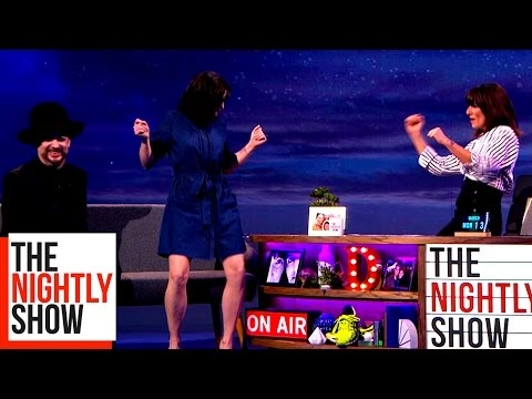 Vicky McClure & Davina McCall Throw Shapes in Front of Boy George