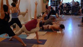 Repeat youtube video Mysore Class, Yoga Workshop 2009 Teacher Intensive