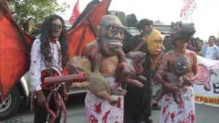 Kapre, tikbalang, aswang, atbp; Anti-pork parade to the Senate