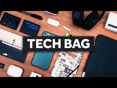 what's-in-my-carry-on-/-tech-bag-2020?-aer-commuter-brief
