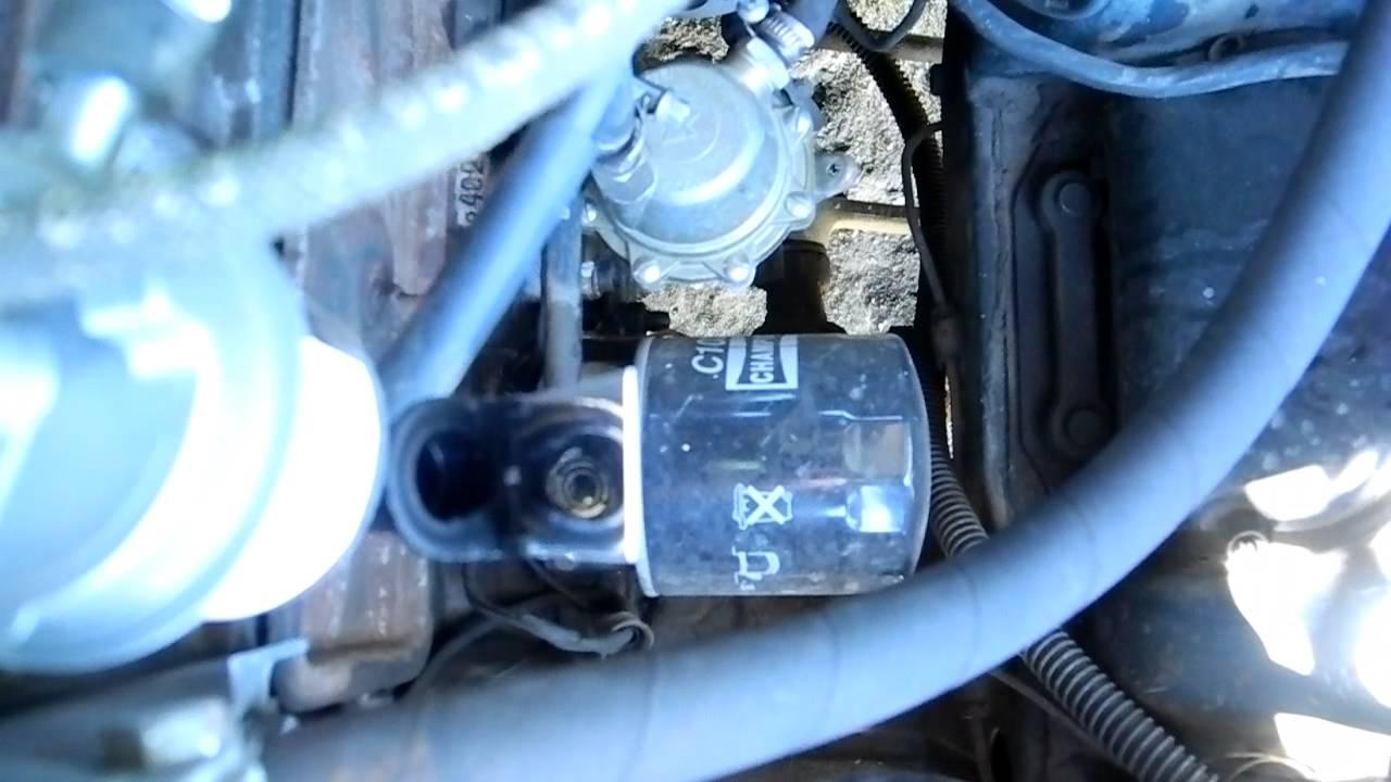Другие существующие способы регулировки карбюратора на холостом ходу без применения газоанализатора, например, с использованием устанавливаемого в гнездо для свечи зажигания так называемого индикатора качества смеси (икс-2) с кварцевым окном, не позволяют гарантировать требуемое.
