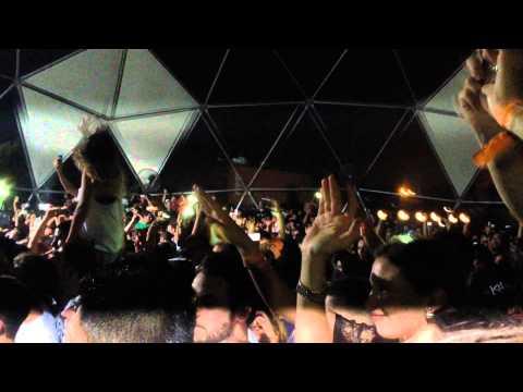 Nicolas Jaar remixing Mahmoud Darwish & Marcel Khalife, live at Gärten, Beirut (25.07.15)