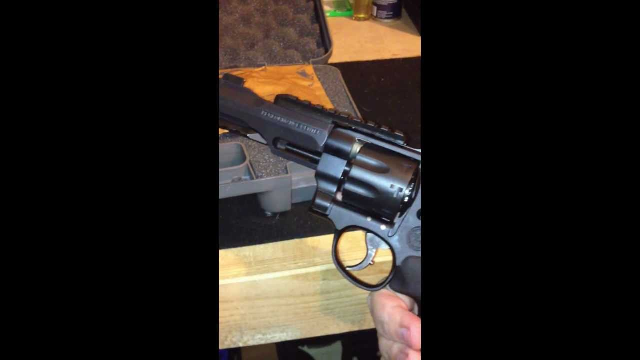Smith & Wesson Performance Center TRR-8 Unboxing