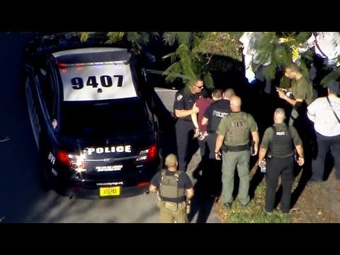 Details emerge about suspected Florida gunman's troubled past