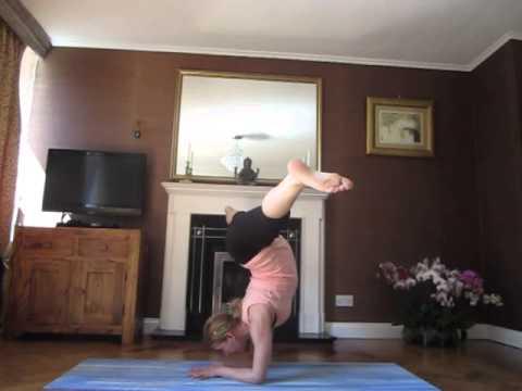 pregnancy yoga practice5mth  forarm balaceslotus