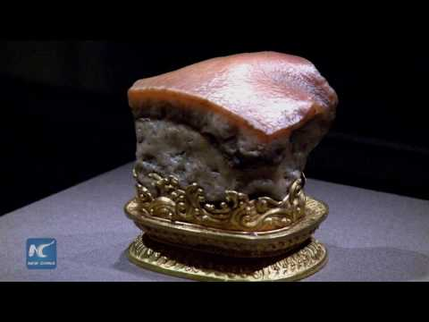 Emperors' treasures unveiled at Chinese art show