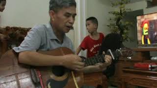 EM ĐI GIỮA BIỂN VÀNG Thầy giáo có biệt danh siêu nhân siêu giỏi đàn hát thư giãn guitarr mono coverr
