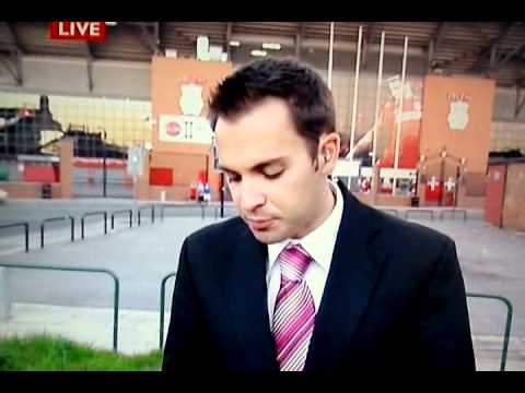 Everton Fan chants & pulls a moony outside Anfield on Live TV North West Tonight