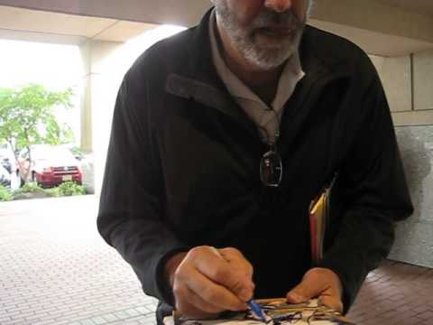 Dan Fouts signs autographs for The SI KING 9-20-14