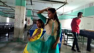 Download Video দেকুন ছোট ছোট মেয়েদের নাচ MP3 3GP MP4