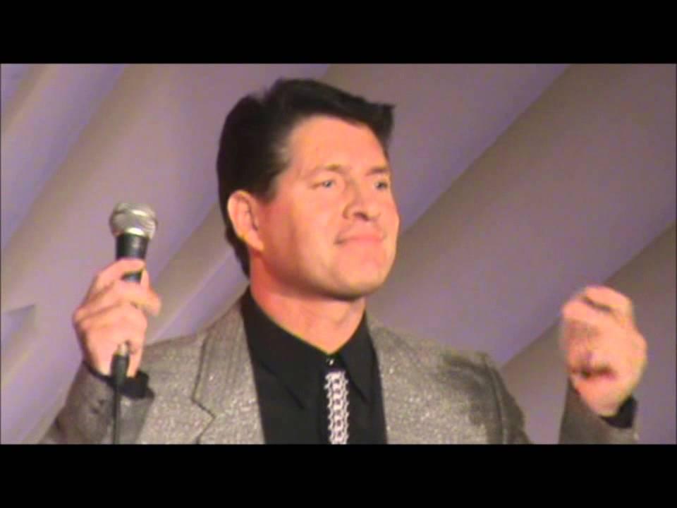 Gene Pitney impersonator - YouTube