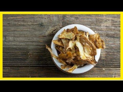 la-recette-des-délicieuses-chips-maison-avec-des-Épluchures-de-pommes-de-terre.