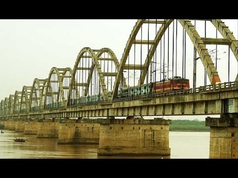 Indian Railways : Dangerous & Longest Railway Godavari Bridge Across  Godavari River
