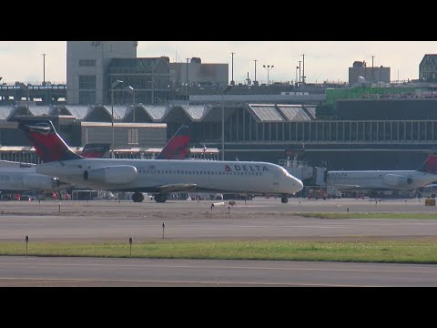 Andi and Kenny  - Daily Do Good: Delta Gives Employees Bonus Worth Two Months Of Extra Pay