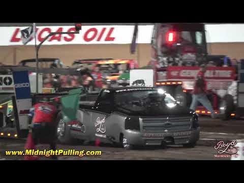 Midnight Revenger & Sweet Revenge pulling at Lucas Oil Speedway 2018