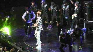 "Justin Bieber @ the NYC Jingle Ball- ""Somebody to Love"" (HD) Live on December 10th, 2010"