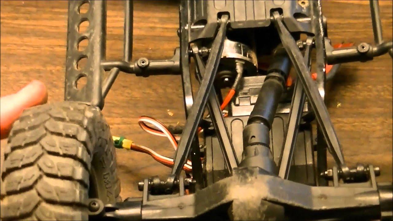 SCX10 Dead Bolt Gets Front 4 Link Setup - YouTube