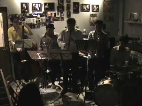 PATHORN SRIKARANONDA & HIS DIXIE BOYS live at SWEETS - Leavin' Town