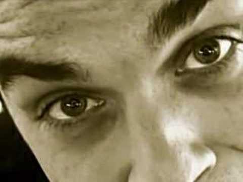 Robbie Williams - Toxic mp3 indir