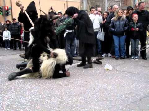 Download Carnevale Sardo Nuoro 12 marzo 2011 - Paulilatino sos Corrajos