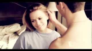 Nathan & Haley |