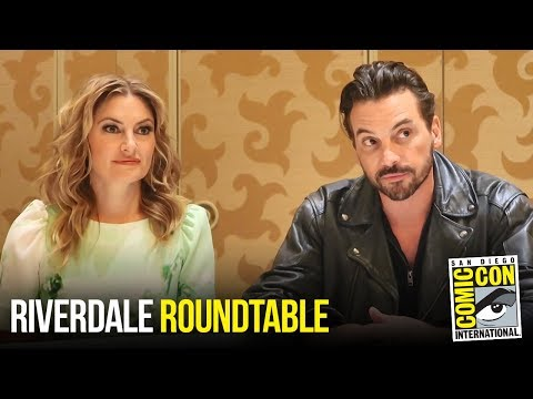 Mädchen Amick & Skeet Ulrich Riverdale Roundtable  at Comic Con 2018