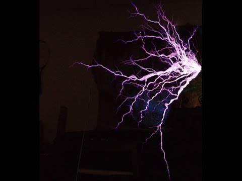 How a Tesla coil works
