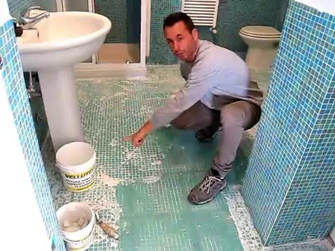 Come stuccare un mosaico vlog tutorial casa youtube - Comporre un bagno ...