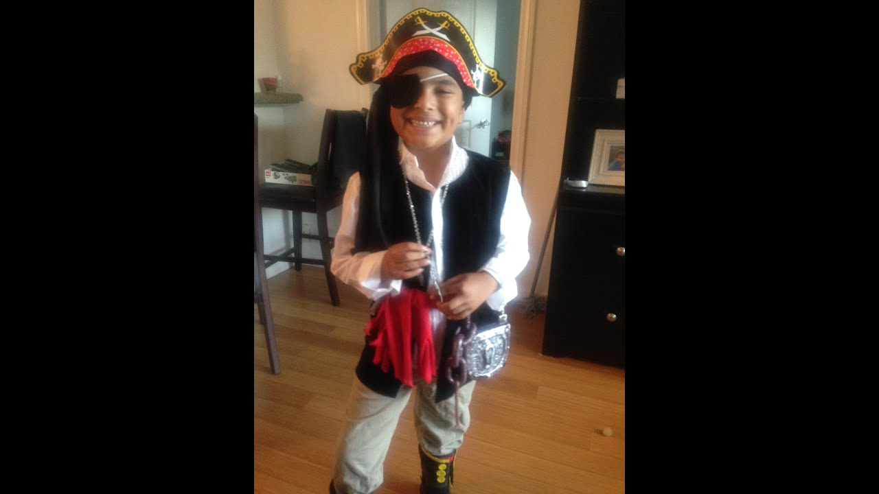 Diy pirate costume youtube solutioingenieria Gallery