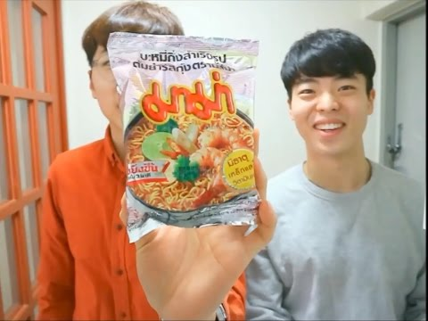 Korean men cook Thai and Indonesian ramen!