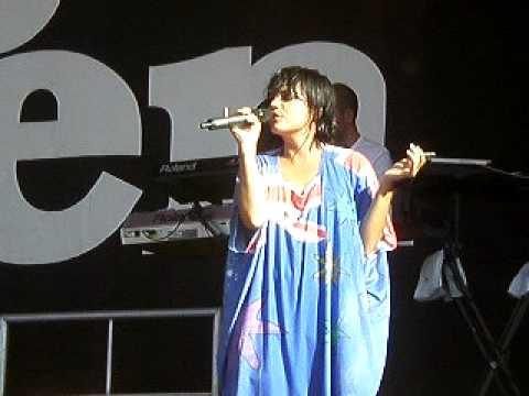 Lily Allen - Womanizer @ inmusic - YouTube