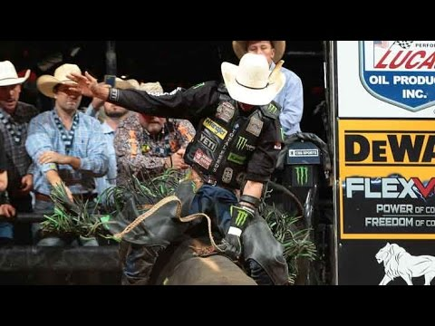 J.B. Mauney rides Rocco for 86.75 points (PBR)
