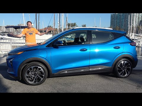 The 2022 Chevy Bolt EUV Is an Electric Hatchback With Good Tech