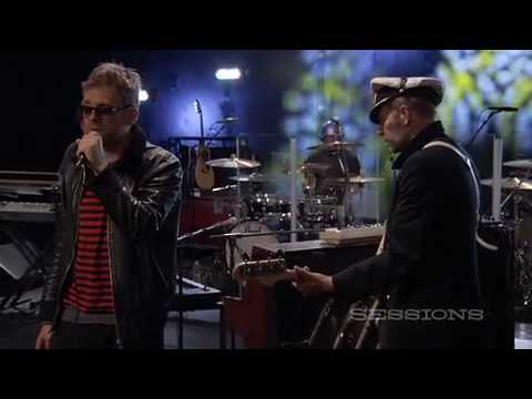 gorillaz-broken-live-on-aol-sessions-video-gorillazman