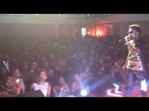 Bisa Kdei performing Metanfo live in London