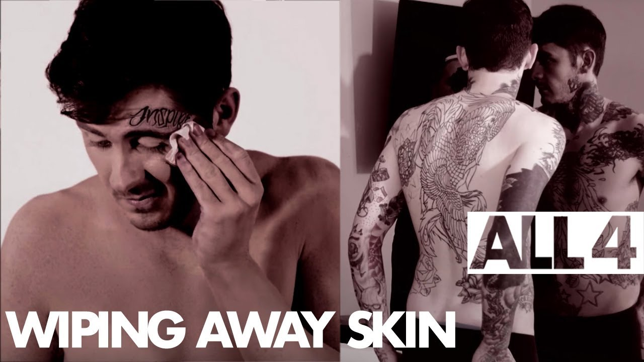 Man Wipes Away Make Up To Reveal Full Body Of Tattoos | The Male ...