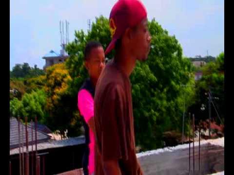 Nash Mc - Maalim ( Official Video)