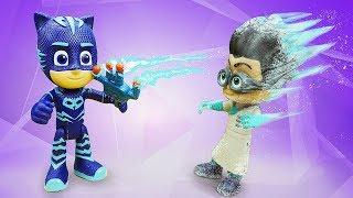 Видео про детские игрушки. Герои в масках ловят Ромео и возвращают лето!