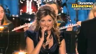 "Vika Tsiganova and the Song ""Smuglyanka"" - Russian Folklore"