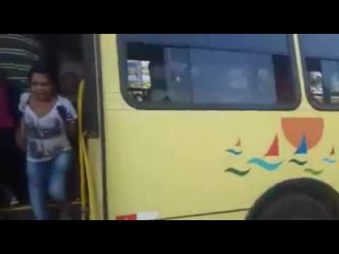 Assaltante é morto em ônibus