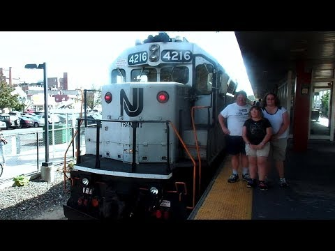 New Jersey Transit Train The Great Chase GP40