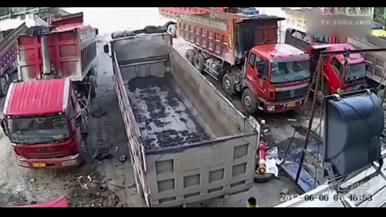 Resultado de imagen de camion aplasta un hombre