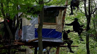 Riot police clash with environmental activists in Germany
