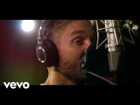 Jessica - Check out Brett Young's acoustic session of Ticket To L.A.
