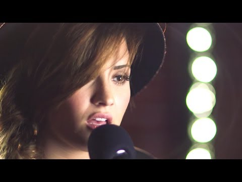 Demi Lovato - Neon Lights (Capital FM Session)