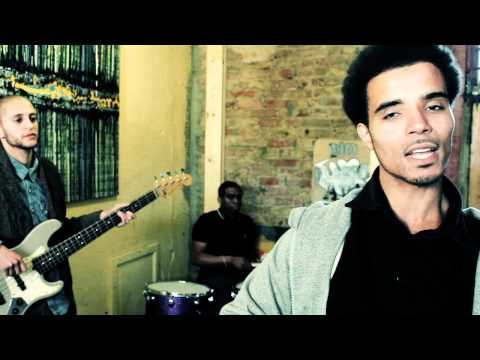 AKALA - FIND NO ENEMY (OFFICIAL MUSIC VIDEO)