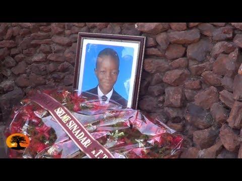 In memoriam Anselme SINANDARE GOUYANO : De la messe au dépot de gerbe [17/04/2013]